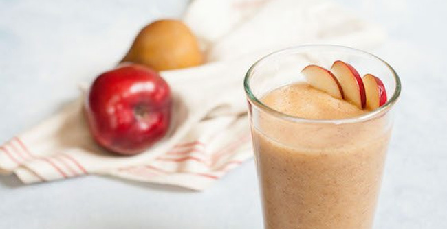 Make a skin glowing holiday smoothie for your loved ones.